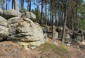 Skalní město Toulovcovy maštale – historie a trasy